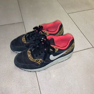 Nike air max's women's pink/leopard